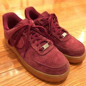 grossiste d53b2 eae94 AF1 burgundy Nike